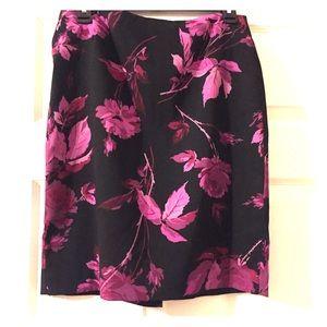 Express Black Rose Floral Print Skirt Size 3\4